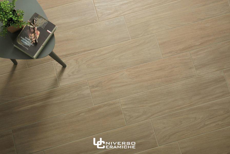 Scala in gres effetto legno con lavorazioni jolly ceramiche